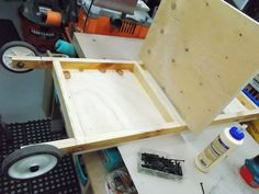 Jobsite Table Saw Rolling Stand / Support roulant pour scie de chantier   Atelier du Bricoleur (menuiserie)…..…… Woodworking Hobbyist's Workshop Jobsite Table Saw, Support, Projects To Try, Diy Welder, Saw Tool, Carpentry, Atelier