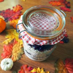 #Autumn is around the corner! Check out our recipe for fall oatmeal chocolate chip cookie mix. Cute printable recipe card, and all. The perfect gift going into the fall season. #pacificmerchants #baking #cookies #kilner #fall #oatmeal #fallrecipe #gift http://www.pacificmerchants.com/blog/mason-cash/festive-fall-kilner-jar-cookies/.htmlFollow