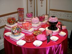 I would love to have a candy bar at my bridal shower!