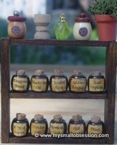 Quick and easy project! Every miniature witch and wizard needs bottles for their potions. More free miniature dollhouse projects at My Small Obsession, click the link at the bottom of this page. For Personal Use Only Please Cork paper with. Miniature Bottles, Miniature Crafts, Miniature Fairy Gardens, Miniature Dolls, Haunted Dollhouse, Diy Dollhouse, Dollhouse Miniatures, Dollhouse Tutorials, Potion Bottle