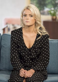 Coronation Street's Lucy Fallon, admitted that she felt the effects after partying the night away at the British Soap Awards over the weekend as she took to ITV's This Morning on Monday. Curvy Women Outfits, Clothes For Women, Coronation Street Cast, Faye Brookes, Lucy Fallon, Peter Kay, Soap Awards, Linda Carter, Old Actress