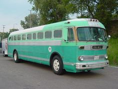 Great shot of Bus No. 601 from the Duluth Transit Authority. Built in 1951. Come by the museum and take a look!