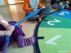 Hääräämö: Rytmirinkula ja hernepussit Preschool Music, Teaching Music, Learning Environments, Kids Songs, Music Education, Kindergarten, Workshop, Children, Tips