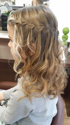 43 Pretty women with balayage hair colors – – 43 mulheres bonitas com cores de cabelo balayage – – Penteado Madrinha Cute Braided Hairstyles, Flower Girl Hairstyles, Little Girl Hairstyles, Cool Hairstyles, Little Girl Wedding Hairstyles, Braided Ponytail, Beautiful Hairstyles, Hairstyle Ideas, Communion Hairstyles