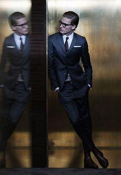 グレースーツ×茶色ネクタイの着こなし | スーツスタイルWEB