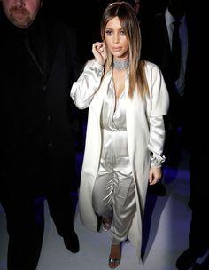 Le look du jour: Kim Kardashian au défilé Stéphane Rolland - ELLE