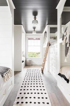Dream Home: A Neutral Beach House Beauty in South CarolinaBECKI OWENS