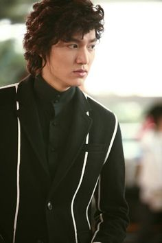 "Lee Min Ho in Boys Over Flowers (Boys before flowers) He's 6'2""!!!"