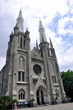 cathedral-jakarta-indonesia  http://www.carltonleisure.com/travel/flights/first-class/indonesia/jakarta/edinburgh/