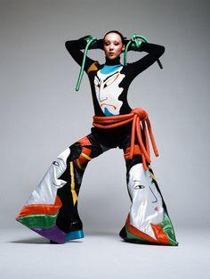 Kansai Yamamoto's Vibrant Designs British Magazines, High Fashion, Fashion Show, Kansai Yamamoto, Yohji Yamamoto, Japanese Fashion Designers, Ziggy Stardust, Stage Outfits, College Fashion