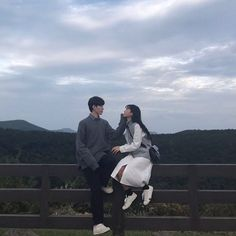 couple #jeju 럽스타그램, 커플룩, 커플사진, 시밀러룩, 트윈룩, 데이트코스 Siblings Goals, Cute Couples Goals, Couple Goals, Romantic Couples, Wedding Couples, Boy And Girl Friendship, Korean Lessons, Fall In Luv, Boy And Girl Best Friends