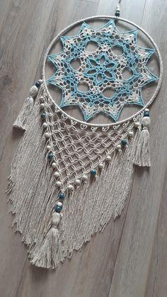 Dream Catcher Patterns, Dream Catcher Decor, Dream Catcher Boho, Dream Catchers, Crochet Wall Art, Crochet Wall Hangings, Crochet Home, Crochet Yarn, Crochet Mandala Pattern
