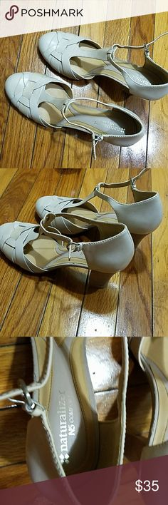 Naturalized comfort shoes Casual or dressy tan color.never worn , Naturalizer Shoes Heels