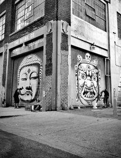 Foto: • ARTIST . CRYPTIK •  ◦ Buddha Head & Mahakala ◦ location: Los Angeles, Usa