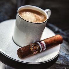 Kick Starting The Week w/Coffee & Cigars Cigars And Whiskey, Good Cigars, Pipes And Cigars, Cuban Cigars, Coffee Box, Coffee Is Life, Coffee Time, Chocolate Cigars, Good Morning Today
