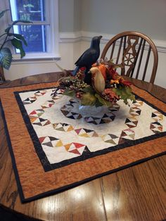 My Halloween table topper. Fall Quilts, Halloween Table, Tablerunners, Table Toppers, Quilting, Kids Rugs, Autumn, Sewing, Photos