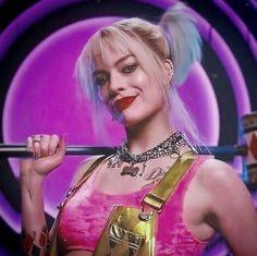 New Wave Music, Music Love, Margot Robbie Hot, Rock Hairstyles, Harley Quinn Comic, Dc Comics Heroes, Dc Memes, Nice To Meet, Glam Rock
