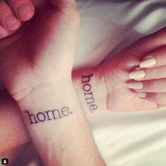 Non perdetevi i tatuaggi di coppia o matching tattoo più belli, dedicati agli innamorati, agli sposi, alle amiche più care o ai familiari.