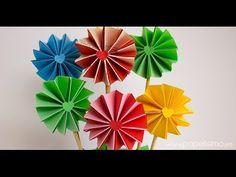 Cómo hacer flores de papel acordeón de dos colores - YouTube