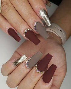 23 Matte Nail Art Ideas That Prove This Trend is Here to Stay Nail Art Designs Images, Fall Nail Art Designs, Acrylic Nail Designs, Grey Nail Designs, Matte Nail Art, Fall Acrylic Nails, Cute Acrylic Nails, Matte Gray Nails, Fabulous Nails