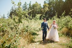bride and groom apple orchard, Erin Wallis Photography
