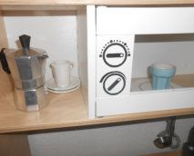 Aufkleber Vinyl  kinder ww.missmartly.ch Kinderküche Spielküche Vinyl, Bathroom Medicine Cabinet, Baby Favors, Sticker, Amazing