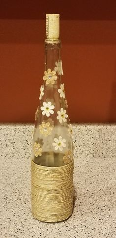 Looking for wine flask handicrafts?, this round out has you covered from DIY glasses to definitely stylish mozzarella cheese trays. Liquor Bottle Crafts, Wine Bottle Art, Painted Wine Bottles, Diy Bottle, Painted Wine Glasses, Bottles And Jars, Bottle Painting, Jar Crafts, Vases