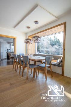 Ein neues Esszimmer samt großzügiger, individueller Fensterbank zum Wohlfühlen und Genießen. Maßgetischlert von Ihrem Tischler.