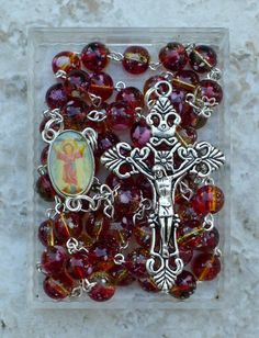 Holy Rosary, Prayer Box, Catholic Jewelry, Thing 1, Rosary Beads, Religious Gifts, Ornament Wreath, Free Gifts, Glass Beads