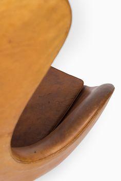 Arne Jacobsen egg chair in cognac brown leather at Studio Schalling