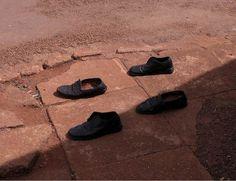 Four shoes, 2005