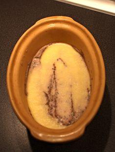200 g kuřecích nebo kachních jater (nebo kombinace) 75 g + 25 g másla 1  šalotka e6d54a1773