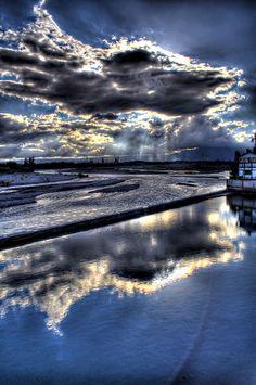 Chipolletti, Mendoza, Argentina by Lampeduza, via Flickr