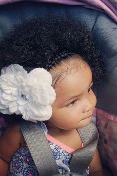 Flores e trança - Penteados afro lindos para menininhas cheias de estilo