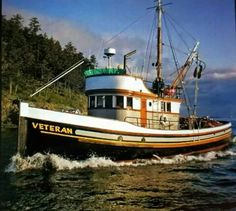 Reminds me of the Louie G. that fished out of Petersburg Alaska in the Beautiful wooden boat with classic style. Old Boats, Small Boats, Kayak Boats, Fishing Boats, Trawler Boats, Boat Pics, Classic Yachts, Boat Projects, Best Boats