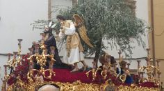 17:15 h. del Lunes Santo, Oración en el Huerto en C/ Don Luis de Linares. Foto: @antonioponcelan.