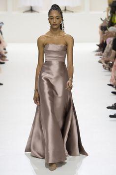 Christian Dior Fall 2018 Couture Photos