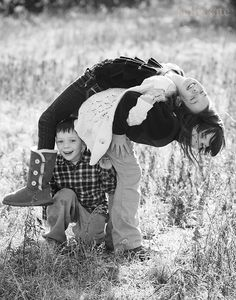Sibling Pose - Sally Kate Photography