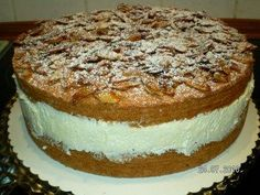 Bee sting with sponge cake - recipe with picture - The perfect bee sting with sponge cake recipe with picture and simple step-by-step instructions: Be - Cake Recipes With Pictures, Bienenstich Recipe, Cream Cheese Bars, Easy Thanksgiving Recipes, Sponge Cake Recipes, Tiny Food, Paper Cupcake, Evening Meals, Keto Dinner