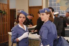 PAN AM - Kate (Kelli Garner) & Maggie (Christina Ricci)