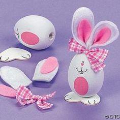 Porfis. Necesito hacer conejitos de pascua. | Aprender manualidades es facilisimo.com Egg Crafts, Bunny Crafts, Easter Crafts, Easter Projects, Easter Parade, Holiday Crafts, Hoppy Easter, Easter Bunny, Easter Eggs