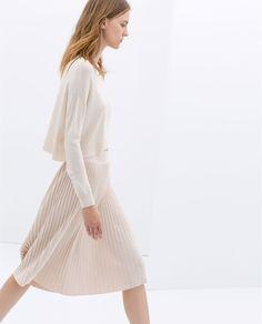 Minimal + Classic: Zara breezy pleated skirt