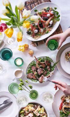 Järjestä täydellinen brunssi – poimi vinkit! | Maku Bloody Mary, Frittata, Croissant, Table Settings, Ethnic Recipes, Food, Essen, Crescent Roll, Place Settings