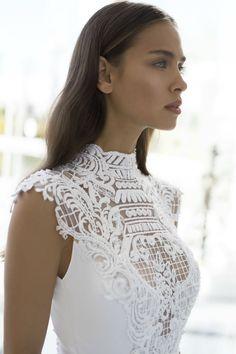 "NURIT HEN 2017 ""WHITE PALACE COUTURE"" BRIDAL COLLECTION | Wedding Dress www.elegantwedding.ca"