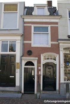 Smallest house in Delft (Netherlands)
