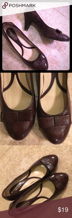 Naturalizer Heels Naturalizer is known for its comfort - I have worn the shoes twice - very little wear - insoles are padded and the material is soft with cute bow detail and stitching Naturalizer Shoes Heels