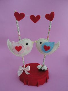 Topo de bolo casal de passarinhos $55 #topodebolo #wedding cake #feltro #passarinhosdefeltro