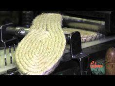 Adrien Prévosto chausse ses espadrilles pour arpenter les rues de Mauléon-Licharre à la découverte des secrets de fabrication de ce pan de l'habillement loca...