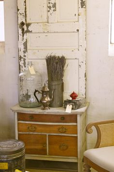 up-cycled furniture is my favorito