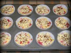 Briose cu bacon si cascaval - MyBisque Bacon, Muffin, Breakfast, Food, Morning Coffee, Recipes, Essen, Muffins, Eten